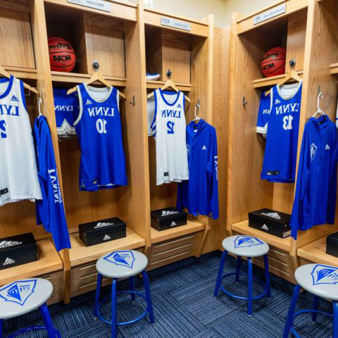 Women's basketball locker room at bt365手机下载